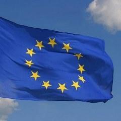 L'UE FISSA L'OBIETTIVO DEL 32% DA FONTI RINNOVABILI PER IL 2030